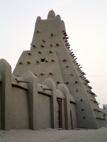 Sankore Mosque(image by  Baz Lecocq via nl.wikipedia)