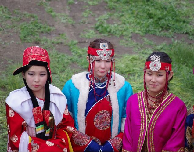 Mongol women at Naadam_festival